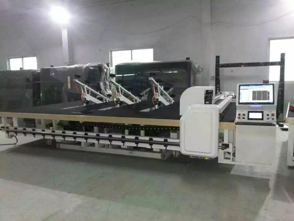 Automatic  Glass Cutting Machine with Automatic Glass Loading&Breaking